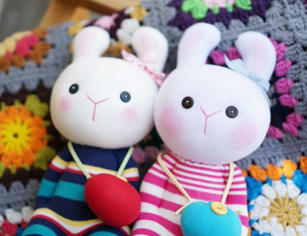 Đi mua tất may cặp thỏ bông đáng yêu hết cỡ 11