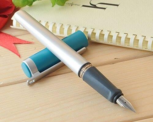Vệ sinh sạch ngòi bút sau khi viết để bút bền hơn và nét viết đẹp hơn