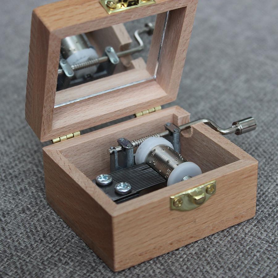 hộp nhạc gỗ