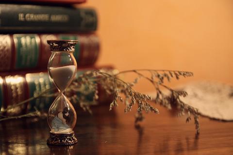 Những điều khiến bản thân bị hạ thấp, lãng phí thời gian của người khác