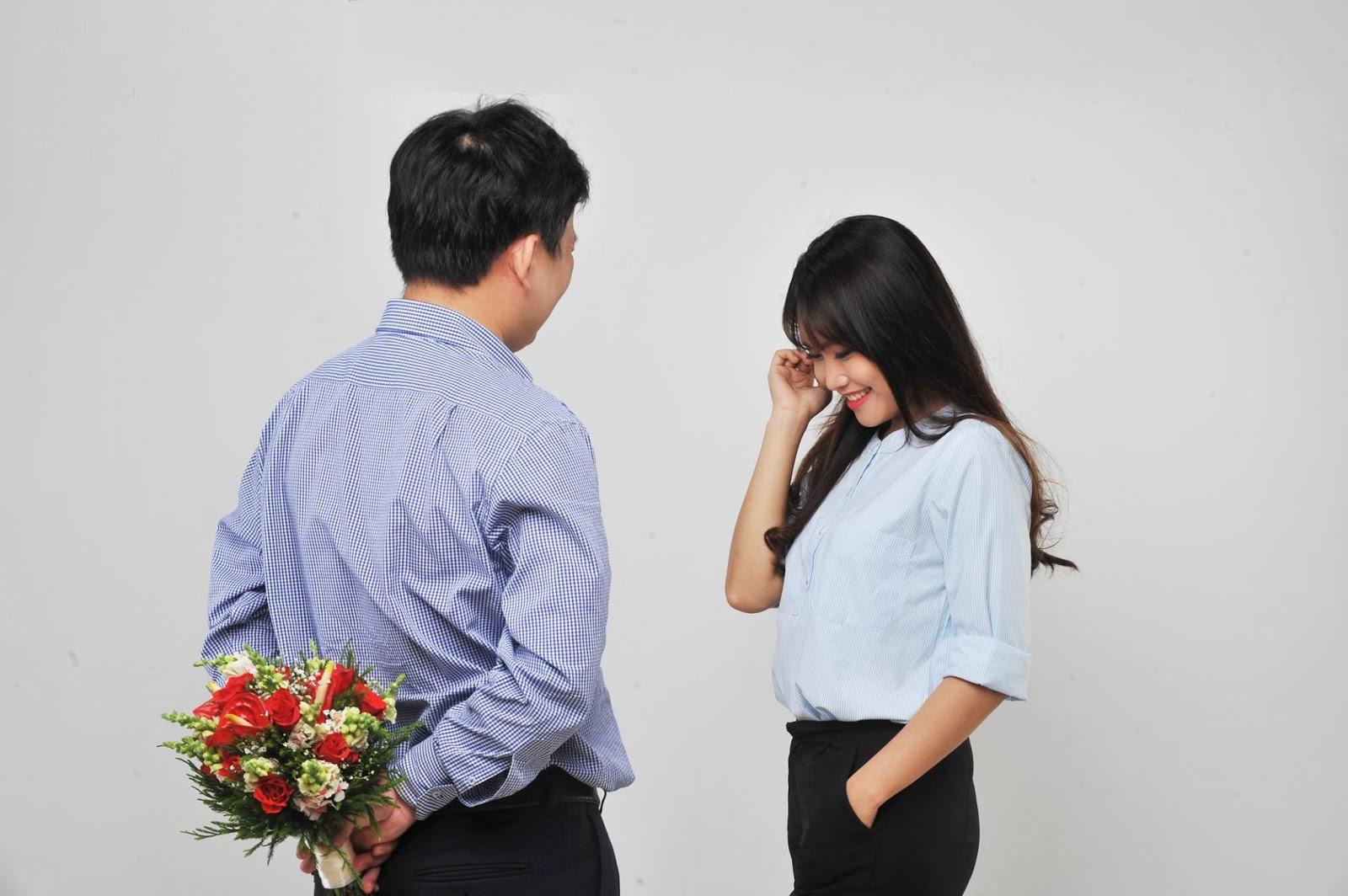 """3 Lưu ý """"Không nên"""" khi tặng quà bạn gái mới quen"""