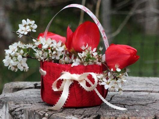 Cách làm giỏ hoa đẹp lung linh từ giấy