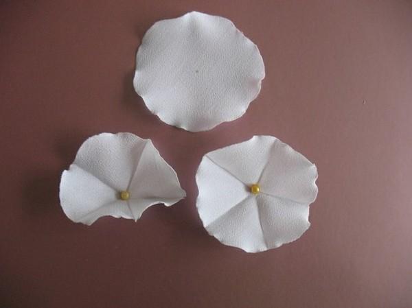 Làm hoa vải lãng mạn trang trí nhà mình 7