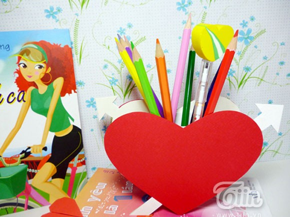 Làm hộp đựng bút trái tim yêu thương cực đơn giản