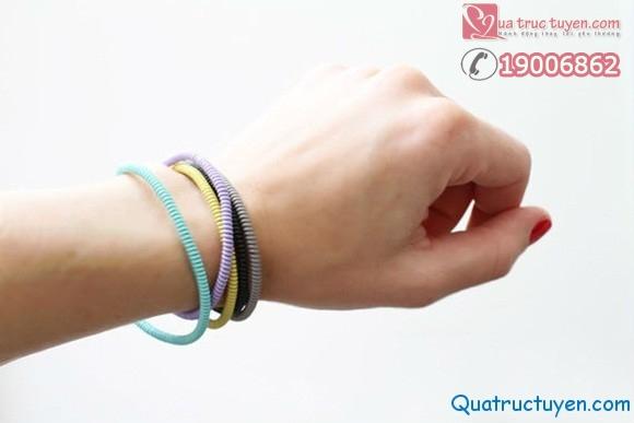 Cách làm vòng tay cực dễ từ dây cáp điện!