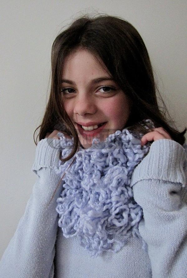 Thêm một cách làm khăn len không cần đan 1