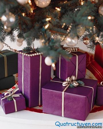 Cách tự gói quà đơn giản mà đẹp cho Giáng Sinh