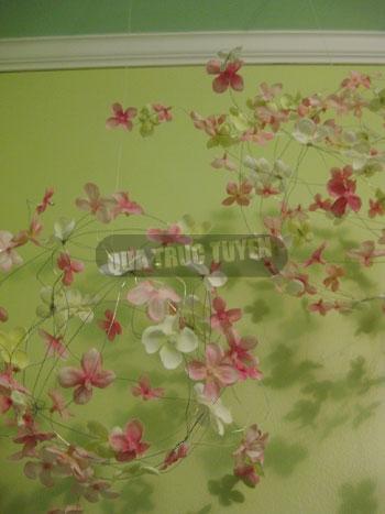 Cầu hoa xinh xắn cho phòng tươi tắn - 8